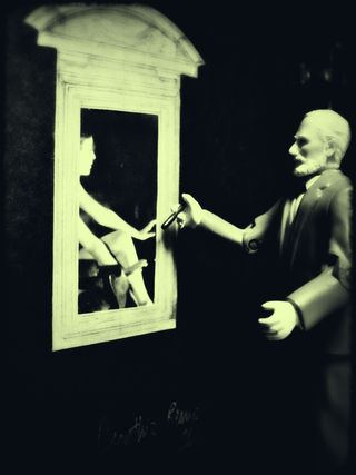 Peeping tom freud